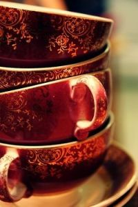 red_gold tea cups