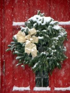 red door_wreath