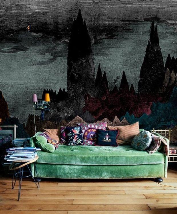 moody mural