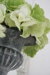 pale green_urn
