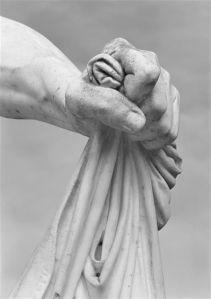 statue_hand