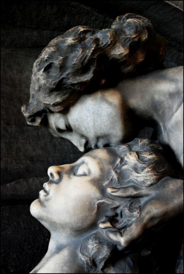 by Silvia Vuono