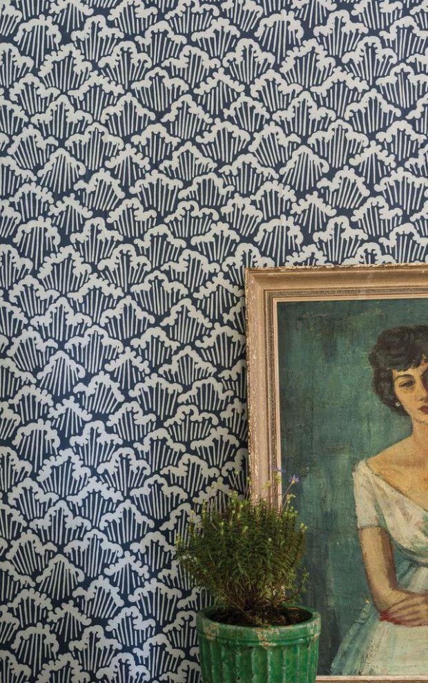 classic blue wave wallpaper