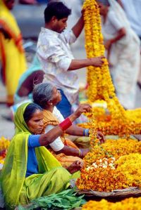 Flower Garland Sellers by photosbypjt