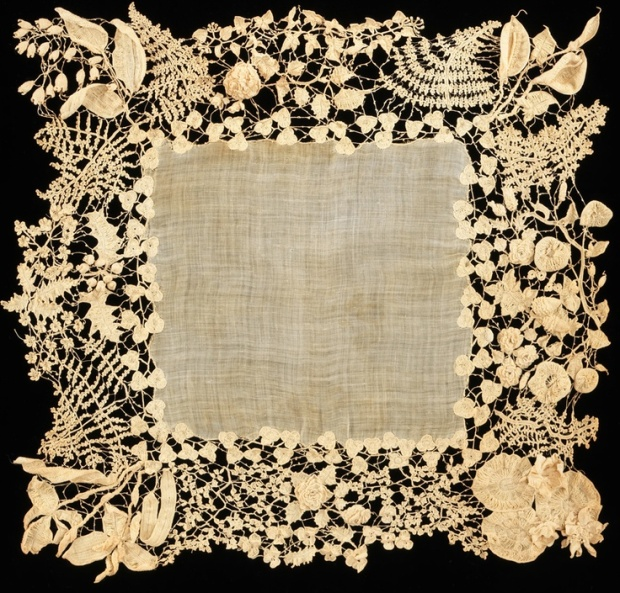 Antique Irish lace crochet_metmuseumdotorg