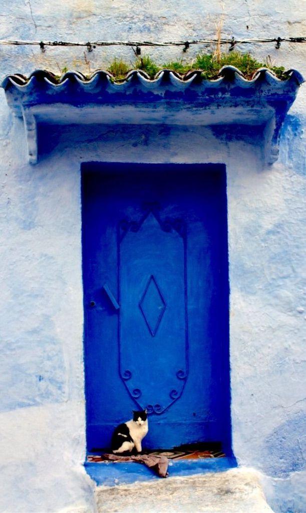 blue door_Chefchaouen, Morocco