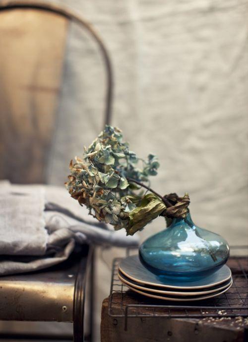 blue vase vignette
