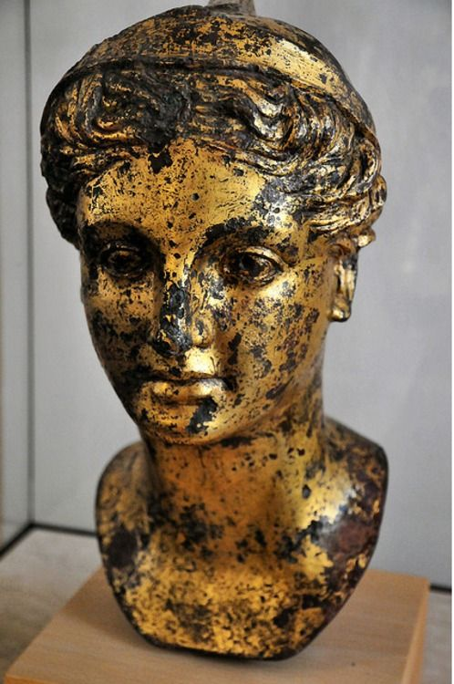 Female head Pergamon Museum