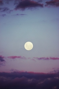 full moon_purple clouds