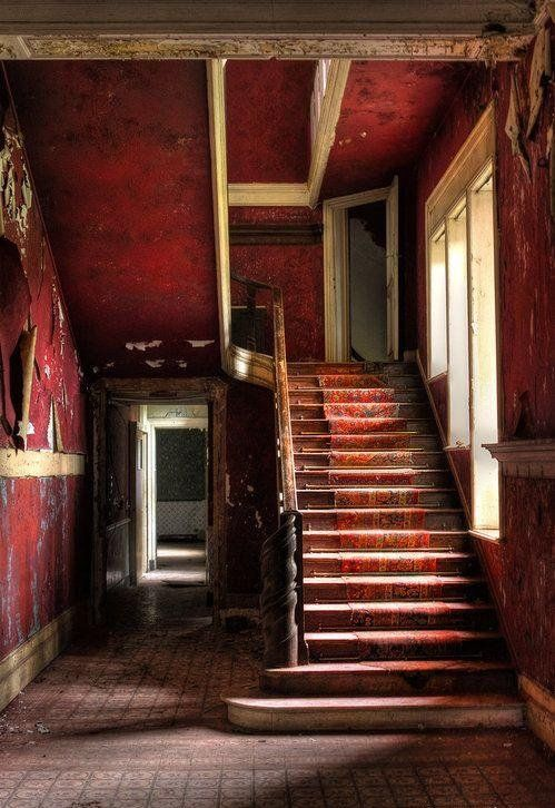 shabby red