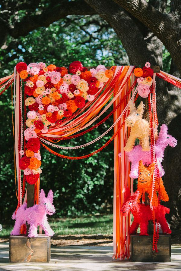 whimsical-wedding-pinatas