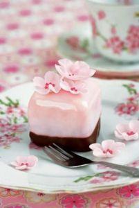 pink petit four 2