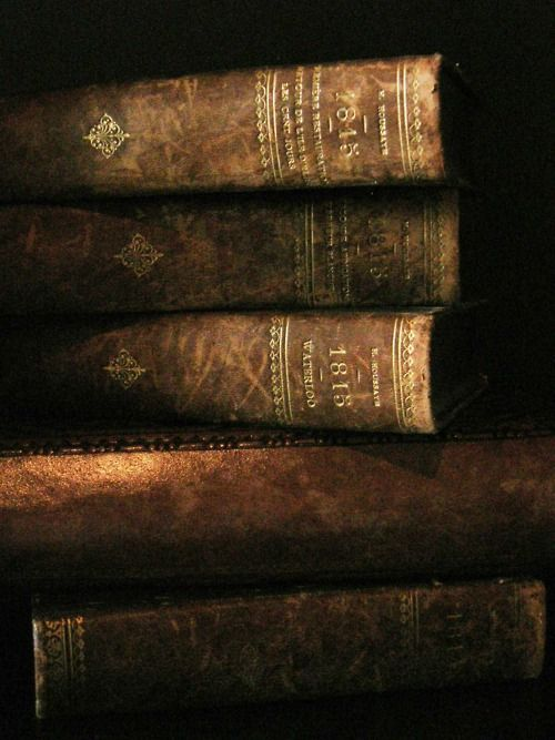 old books_Very cool photo blog