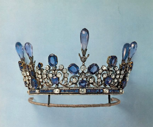 Sapphire and diamond tiara, property of a polish countess. 1900s.