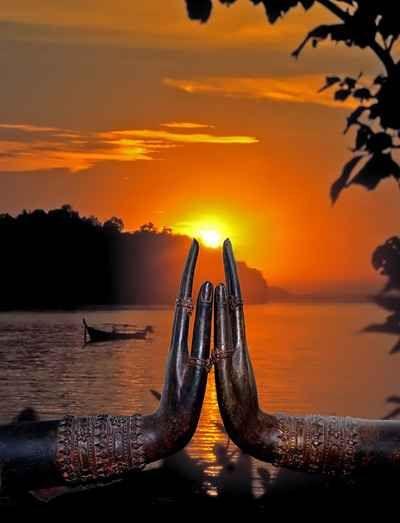 Sunset in Buddha's fingertips.