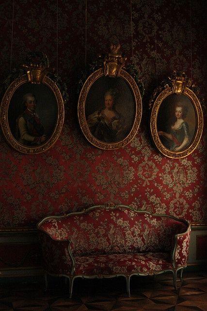 red wallpaper