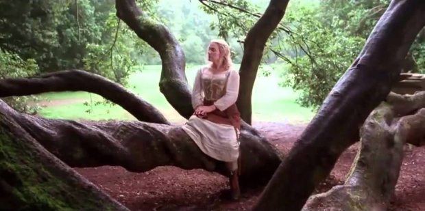 little-chaos_kate winslet in tree