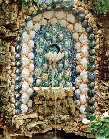 Front Garden shell grotto of Author_Shell Chic