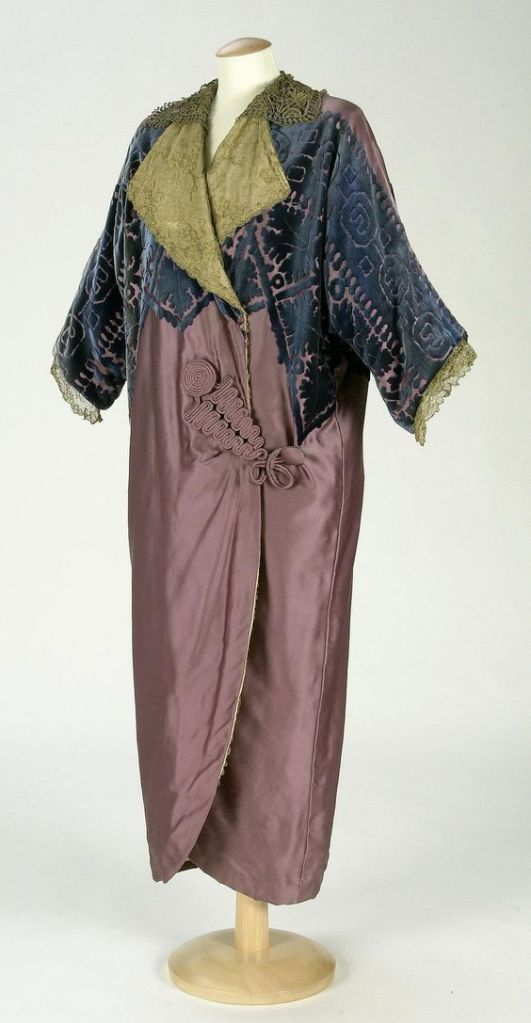 Coat, Mme. Renaud & Cie. 1910-1912, Spanish via texmedindigitallibrarydoteu
