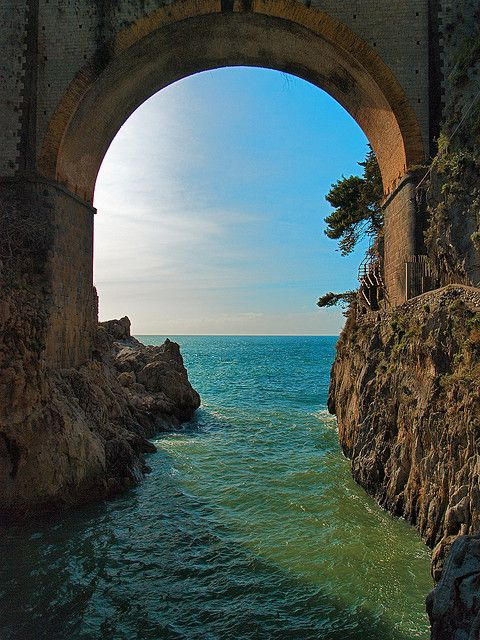 ocean-archway-amalfi-coast-italy-photo-via-timcsi222