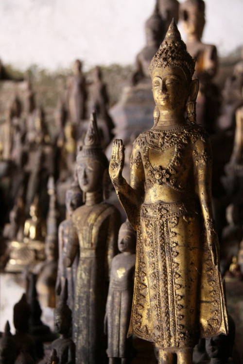 the-buddhas-of-pak-ou-cave-via-kelledia